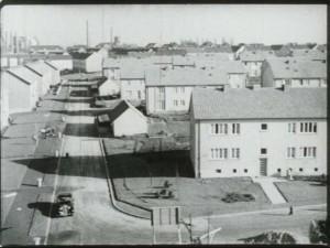 """… und moderne Wohnsiedlungen. Doch diese Bilder sind austauschbar und wenig charakteristisch für Castrop-Rauxel. (Quelle: Film """"Grüne Insel im schwarzen Revier"""")"""