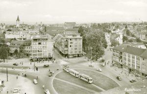 Blick von der Herz-Jesu-Kirche über den Westerntorplatz, 1958 verlegt von Cramers Kunstanstalt, Dortmund (Quelle: Stadtarchiv Paderborn)