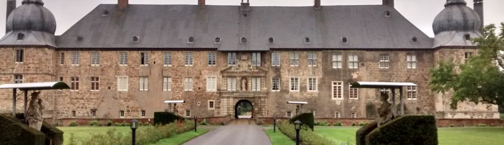 Von Wasserschlössern und kuriosen Funden – Im Außeneinsatz auf Schloss Lembeck
