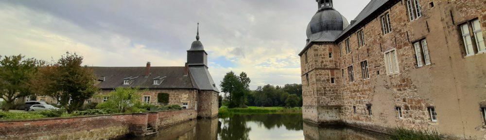 Von dem Schloss auf die Burg